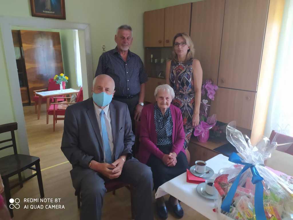 90-te urodziny Pani Anny Jeziorowskiej z Poznowic.jpeg