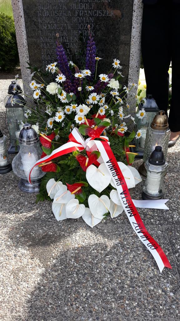 Kwiaty od Władz Miasta Bierunia.jpeg